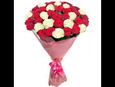 Букет Презентация чувств 25 красных и белых роз