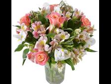 Букет Альстромерия и розы