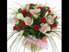 Розы и Орхидея букетом Королевский Шик