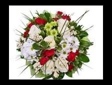 Корзина красных роз с хризантемой Акварель
