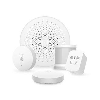 Комплект умного дома Xiaomi Smart Home Family Set (датчики Xiaomi объёма, температуры, умная кнопка и розетка с центром управления)