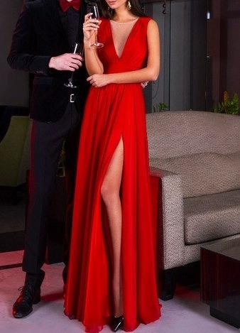 e9cd7699317 Вечернее длинное платье с разрезом красного цвета с глубоким V ...
