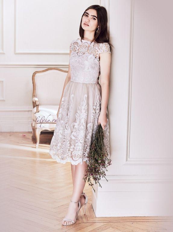 700744777e3 Вечернее серое винтажное пышное коктейльное платье до колена с кружевной  вышивкой