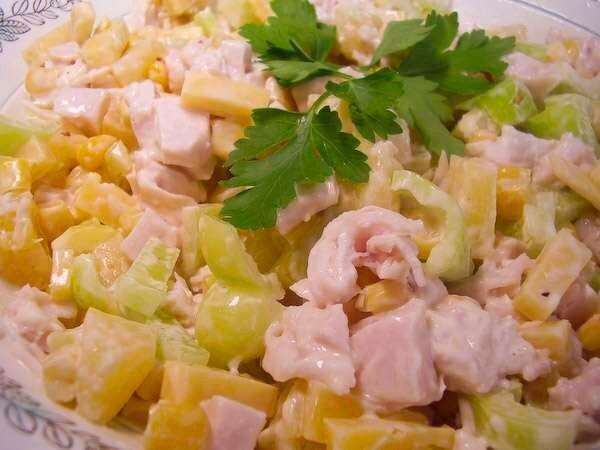 Рецепт салата с копченой курицей и ананасами слоями рецепт