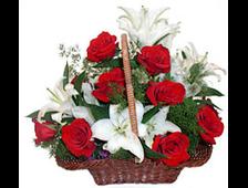 Корзина цветы Лилия и розы