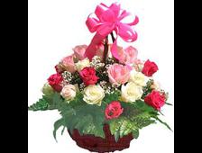 Корзина роз кокетливые розы