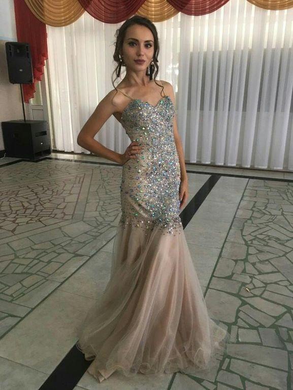 d06830dc5098ac0 Прокат вечерних платьев - бежевое платье с камнями в пол