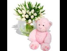 25 белых Тюльпанов и розовый плюшевый Мишка