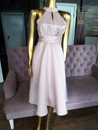 0bfc7912559b689 Светло-розовое коктейльное платье с американской проймой - прокат платьев  Rentaholic в Уфе