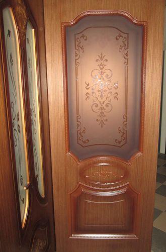 металлическая дверь шпонированная вставка порошковое покрытие