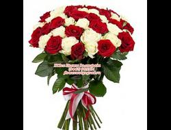 55 роз букетом
