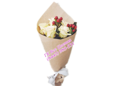 Букет из Альстромерий и белых роз