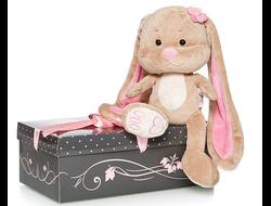 Зайка Лин с цветочком в коробке (25см)