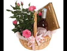 Розовые розы,вино и трюфели