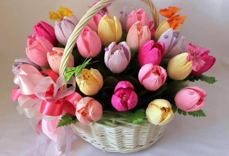 Цветы из конфет и органзы своими руками