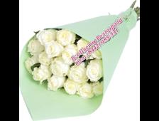 Белоснежные розы (19 штук в крафте)