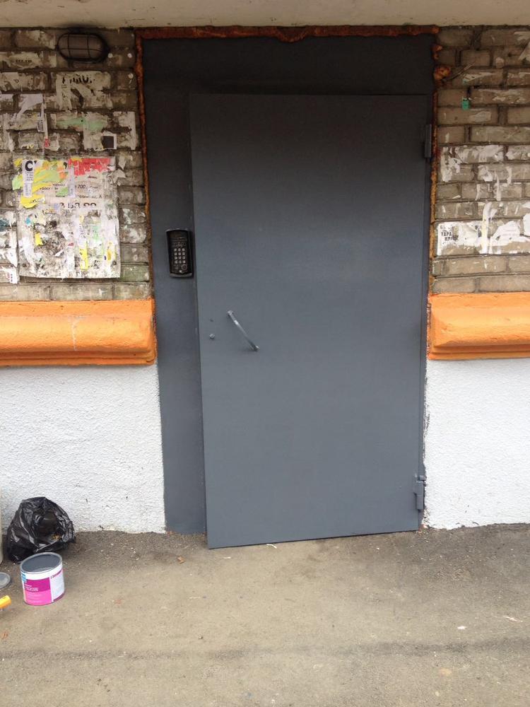 двери железные с хорошей шумоизоляцией