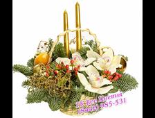 Корзины на новый год с цветами и декором