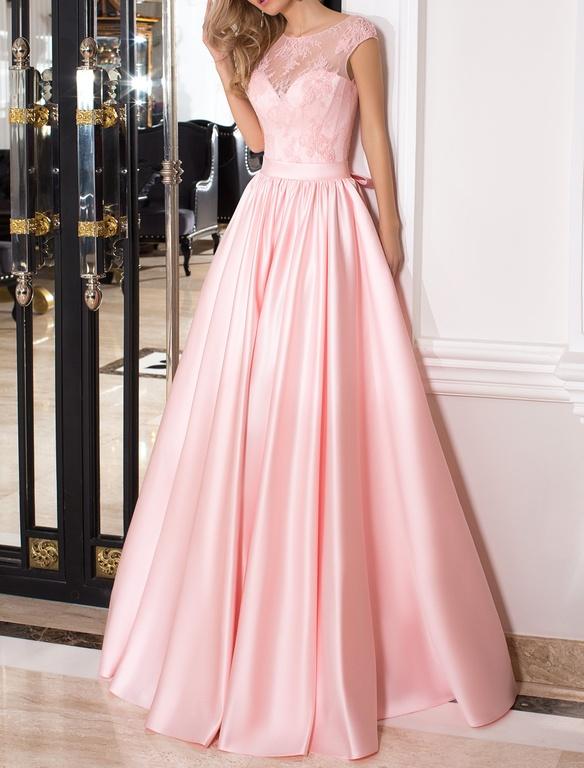 Вечернее розовое платье с пышной юбкой в пол из кружевного гипюра и  драпированного атласа с V-образным вырезом открытой спины a3315eef80f