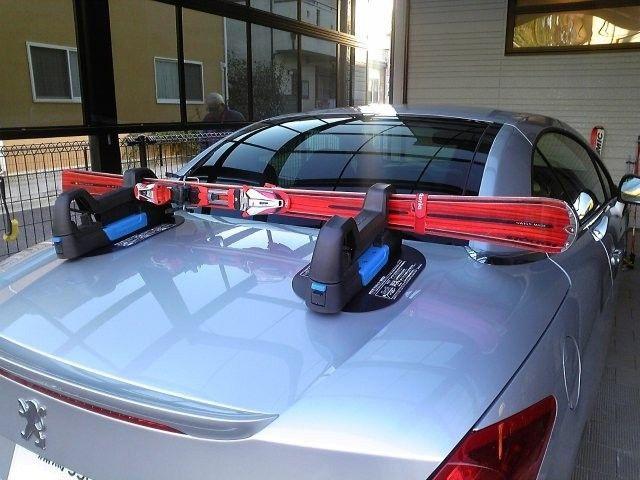Зимние крепление для лыж и сноубордов на плоскую крышу Magnet Roof Car