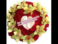 Шикарное сердце из красных роз (101 роза) с Орхидеей