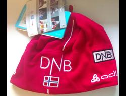 Шапочка  DNB с флагом Норвегии флис красная