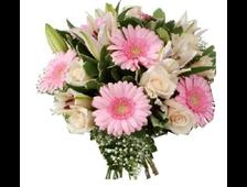 Букет цветов Марьяна-белые розы с розовой Герберой