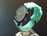 Часы на зеленом силиконовом неоновом браслете с черным циферблатом (№402)