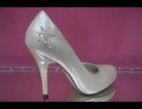 Свадебные туфли айвори стразы вышивка бисер средний каблук кожаные фото цены сайт интернет магазин
