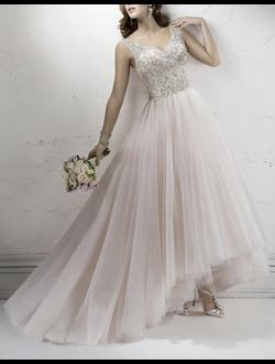 8b32e8c9009 Белые платья на свадьбу из коллекции свадебных платьев-это модные ...