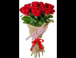 11 алых длинных роз букетом