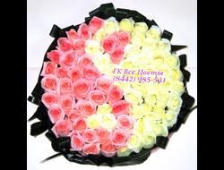 61 роза розовая и белая 61 роза