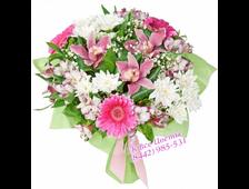 Букет из роз и гвоздики