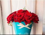 Красные розы в сумочке