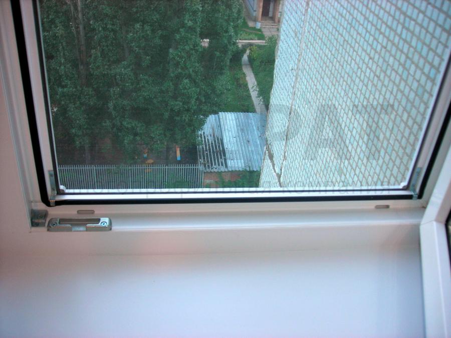 Как сделать москитную сетку на пластиковое окно своими руками видео