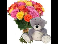 Мишка с 17 яркими розами