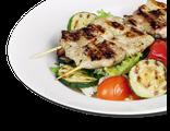 Салат с мясом гриль (с телятиной): икс из салатных листьев, телятина, помидоры Черри, цуккини, баклажаны, шампиньоны, болгарский перец, соус лимонно-медовый, 230 гр, 748 Ккал