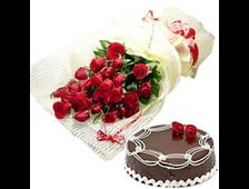 Набор 25 красных роз и шоколадный торт