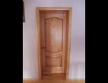 Дверь межкомнатная из натуральной древесины