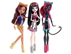 "Клодин, Дракулаура, Кэти Нуар ""Бу Йорк, Бу Йорк"" /  Out-of-Tombers Boo York Clawdeen Wolf, Draculaura & Catty Noir."