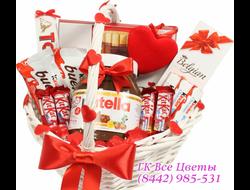 Подарочные корзины сладостей шоколадных