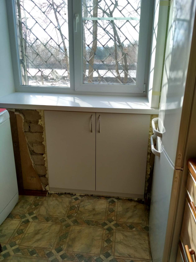 Зимний холодильник под окном отделка своими руками фото