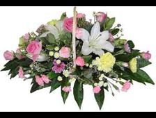 Корзина цветов из гвоздики,розы и лилии Восторг цветов