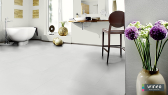 Виниловый пол Wineo 800 Tile L Solid White DB00102-3, клеевой, мелкого формата фото в интерьере
