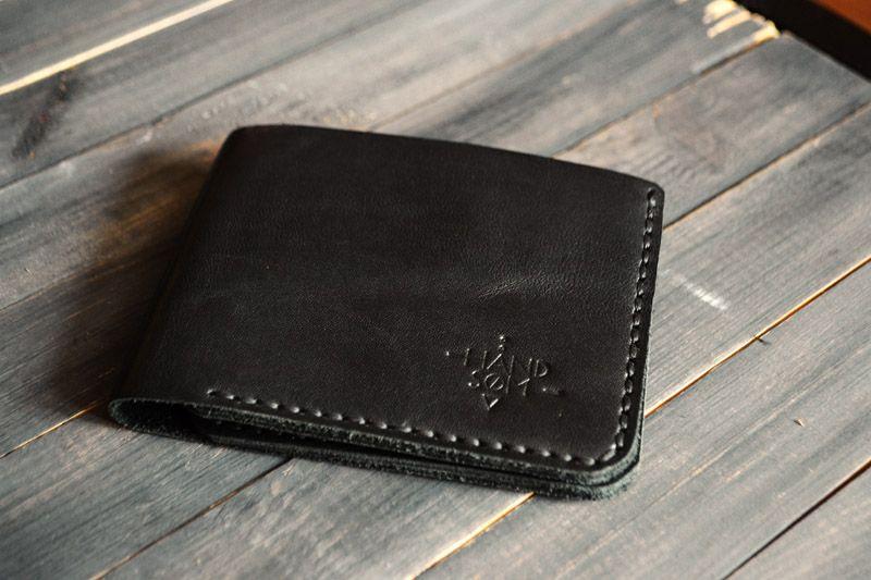 4bdde737de8a Черный бумажник из толстой кожи. Интернет-магазин Bagcom. Кошелек ручной  работы черный. Заказать в Санкт-Петербурге