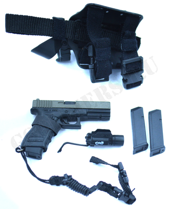Пистолет Glock-17 с кобурой 1/6 (78034) - DAMTOYS
