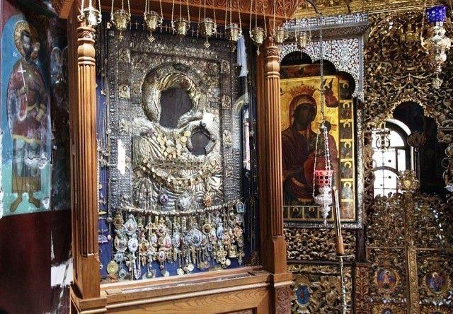 нас всех иверская икона фото с иверского монастыря памятников