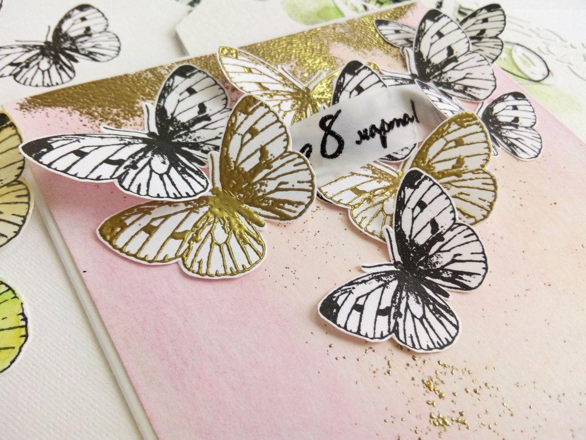 Открытки летающие бабочки, днем
