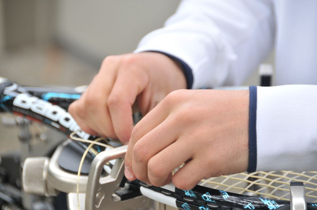 Выполняем натяжку и ремонт теннисных и бадминтонных ракеток в Зеленограде, Солнечногорске, Сходне