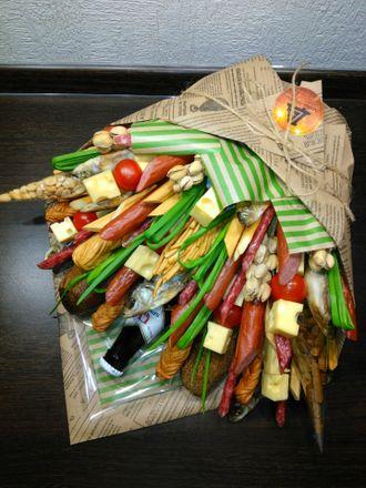 Букет из колбасы для мужчины купить в челябинске цветы для букета